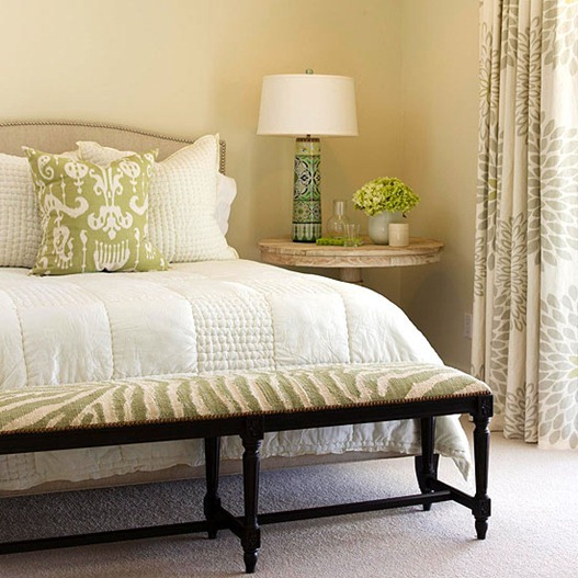 smartly used neutral color palettes in the bedroom art