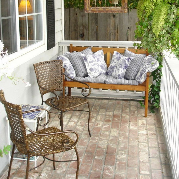 Creating inviting outdoor living spaces art of style and for Creating an outdoor living space